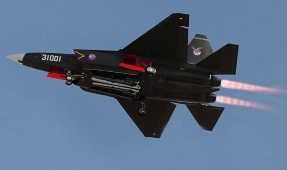 歼-31带弹模型首次亮相
