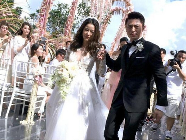 The wedding look awkward? Wallace Huo: just don't laugh