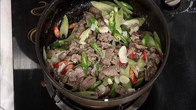 《养生厨房》小炒滑牛肉 - 双梅 - 张静华