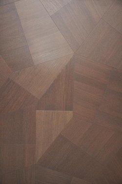 从而保证了木地板的最大稳定性