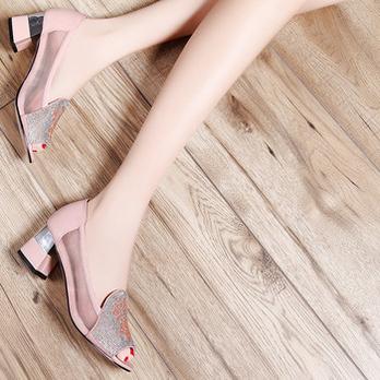 莫蕾蔻蕾2014夏季新款尖头水钻鱼嘴设备低跟v尖头排烟凉鞋图片