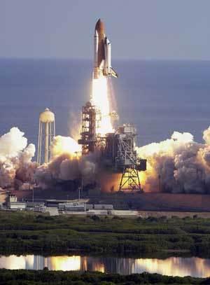 参观第一架航天飞机哥伦比亚号航天飞机发射