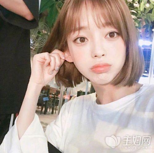韩式空气刘海不管是与长发还是短发搭配都很好看了,也是减龄发型必备图片