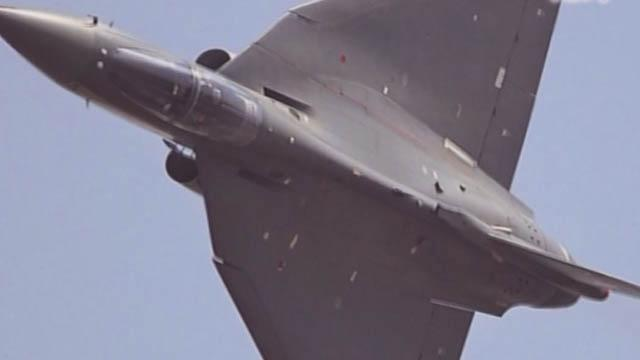 """《军情解码》20151123 印度""""光辉""""战机"""