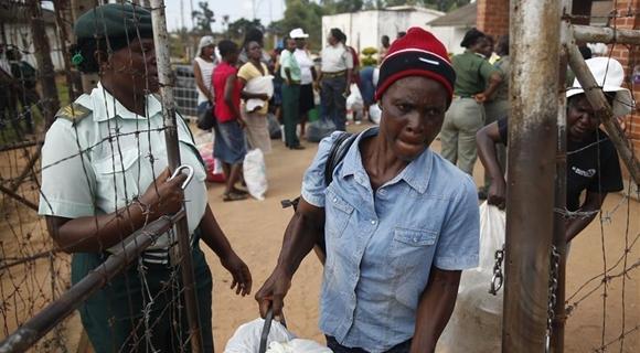 津巴布韦总统赦免3000名囚犯