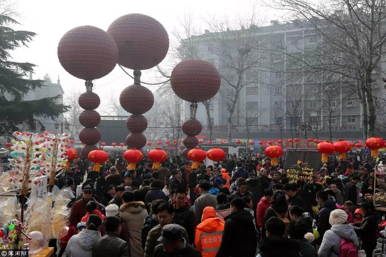 2017年青岛萝卜元宵糖球会首日迎客31万人次-北京时间