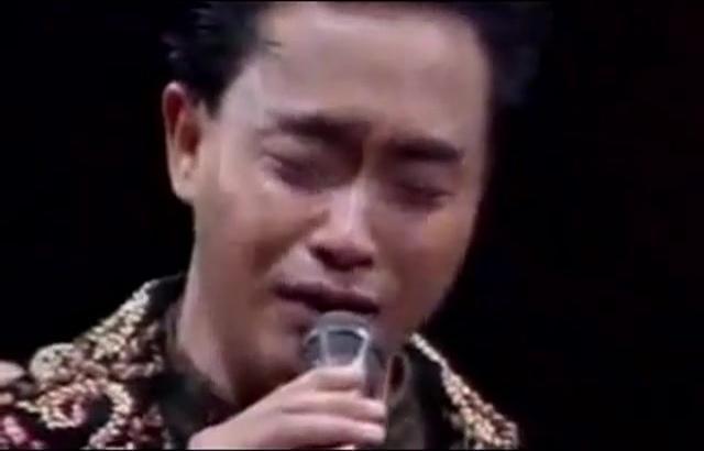 <b>张国荣</b>告别歌坛的一段珍贵<b>演唱会</b>资料,怀念哥哥