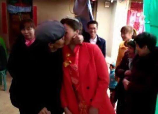 城里流行老少配:农村大爷也娶了28岁小媳妇 -红玫瑰 - 红玫瑰的博客