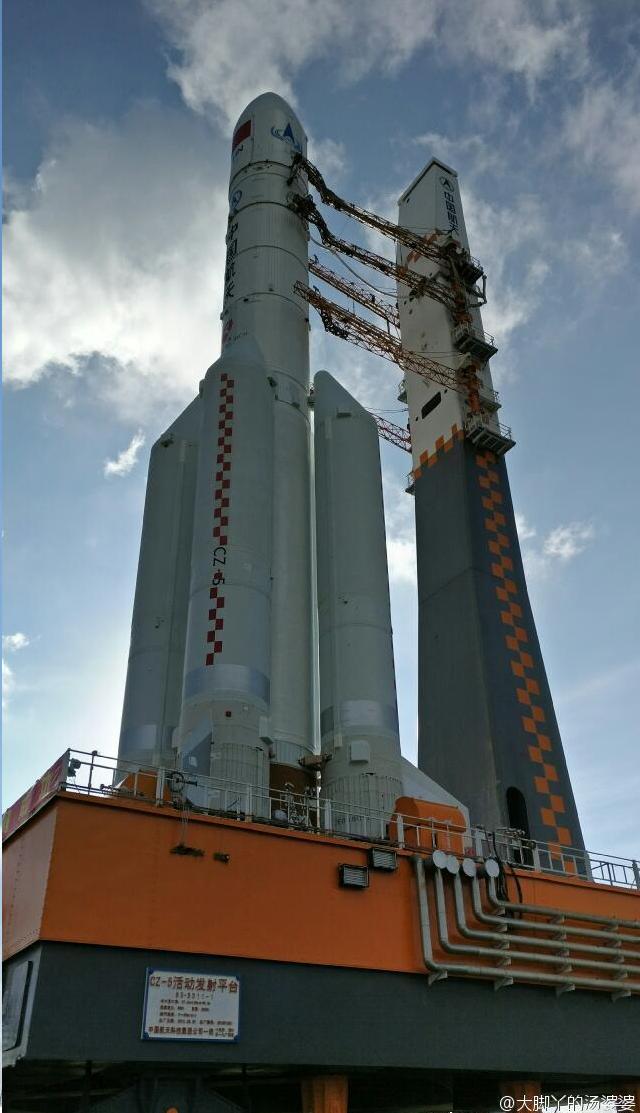 中国首枚重型火箭正为首飞做准备 - 李光鹏 - 李光鹏