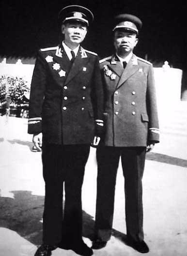 哥哥是大将弟弟是上将:入党介绍人是普通战士 - 一统江山 - 一统江山的博客