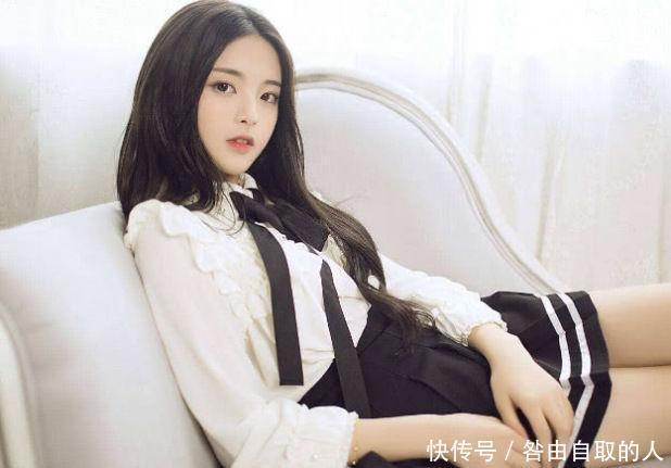 杨颖的闺蜜是杨超越,当看到吴宣仪的闺蜜,太强大