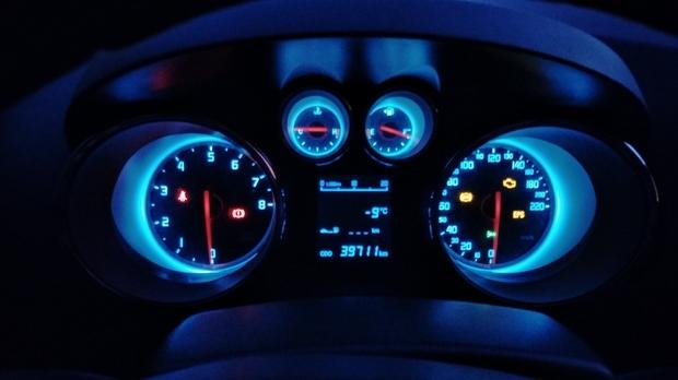 我的车是长安cs35电子助力方向盘,今天发现我的车方向