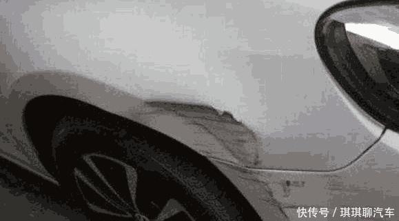 为啥修车工的车遍布刮痕也不补漆?知晓原因后,车主感觉被骗了