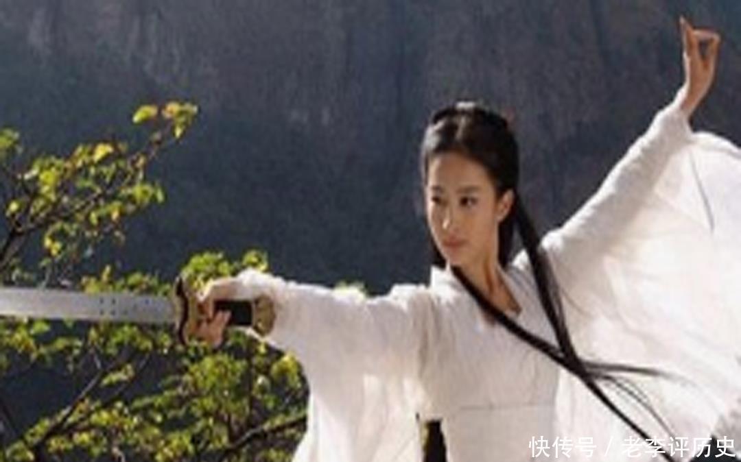 小龙女与杨过朝夕相处,没发现那晚之人是谁?