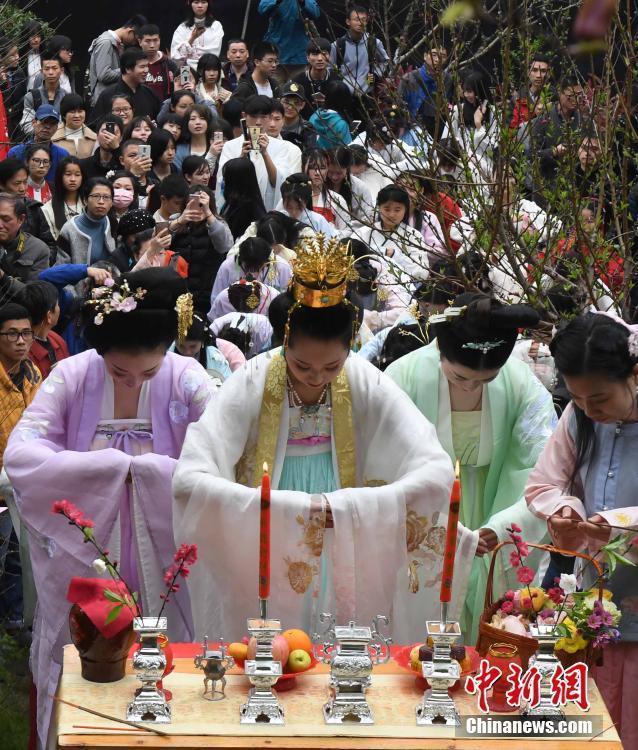 """""""花神节""""到来 各地上演唯美""""花神祭"""""""