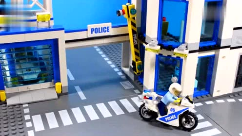乐高定格动漫-乐高城市警察搜索嫌疑人