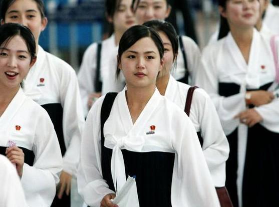 韩国国家情报院认为,李雪主这个经历可能有助于朝鲜领导阶层更加了解