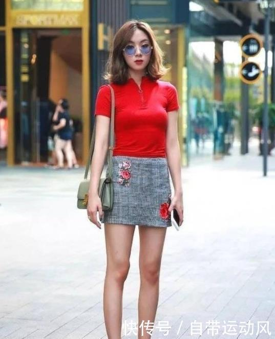 街拍:温文儒雅的小姐姐,轮廓性感分明,散发性感的韵味