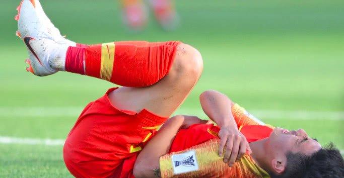 零进球!武磊又伤了中超头号射手倒下 国足锋无