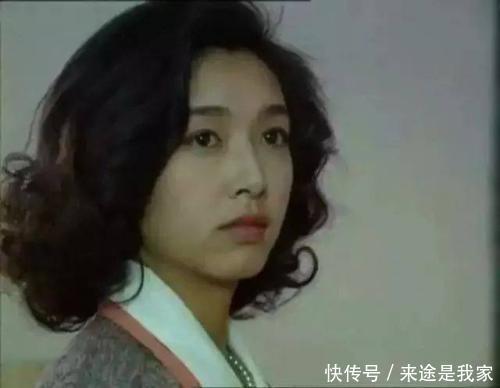江珊二人现在依旧很好,萧亚轩男友很年轻,谢娜是一个好榜样
