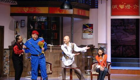 陈佩斯当年有多红,一个小品里两位喜剧大咖跑龙套