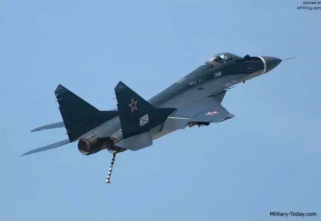 俄罗斯摔了一架飞机,印度竟发现俄罗斯人再次忽悠了!