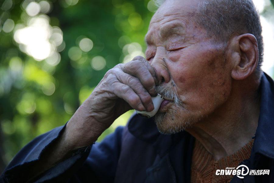 106岁一年喝200斤酒:唱山歌15分钟不停 - 一统江山 - 一统江山的博客
