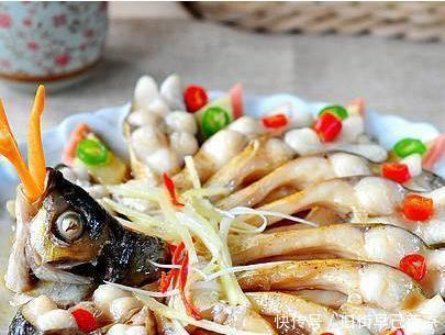 <b>假期学会几道家常菜之后,色泽诱人,美味营养,好吃又下饭</b>