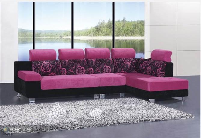 布艺沙发按材料分为:纯布艺沙发和皮布结合沙发.按款式分为