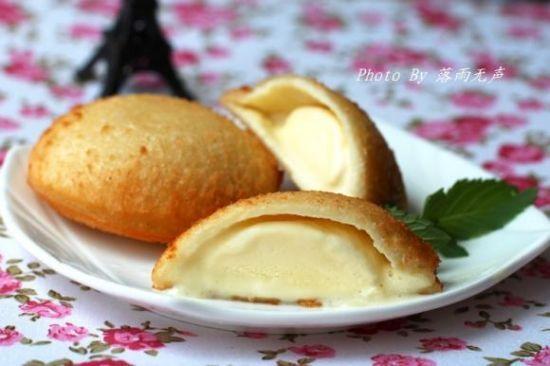 中文名称:油炸冰激凌 主要食材:冰淇淋,鸡蛋 分类:小吃 口味:外:热