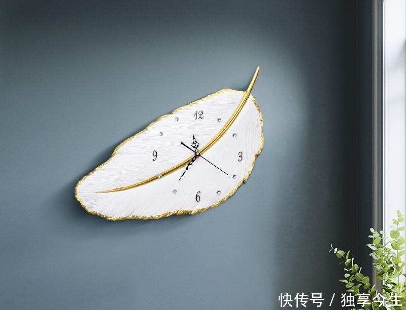 <b>等我和女友结婚,新房一定买这样的挂钟,太好看了</b>