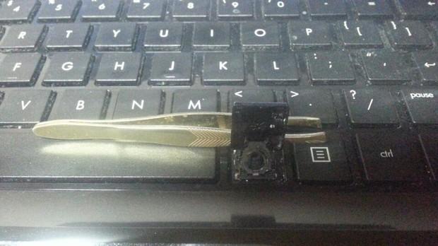 笔记本键盘掉落如何安装