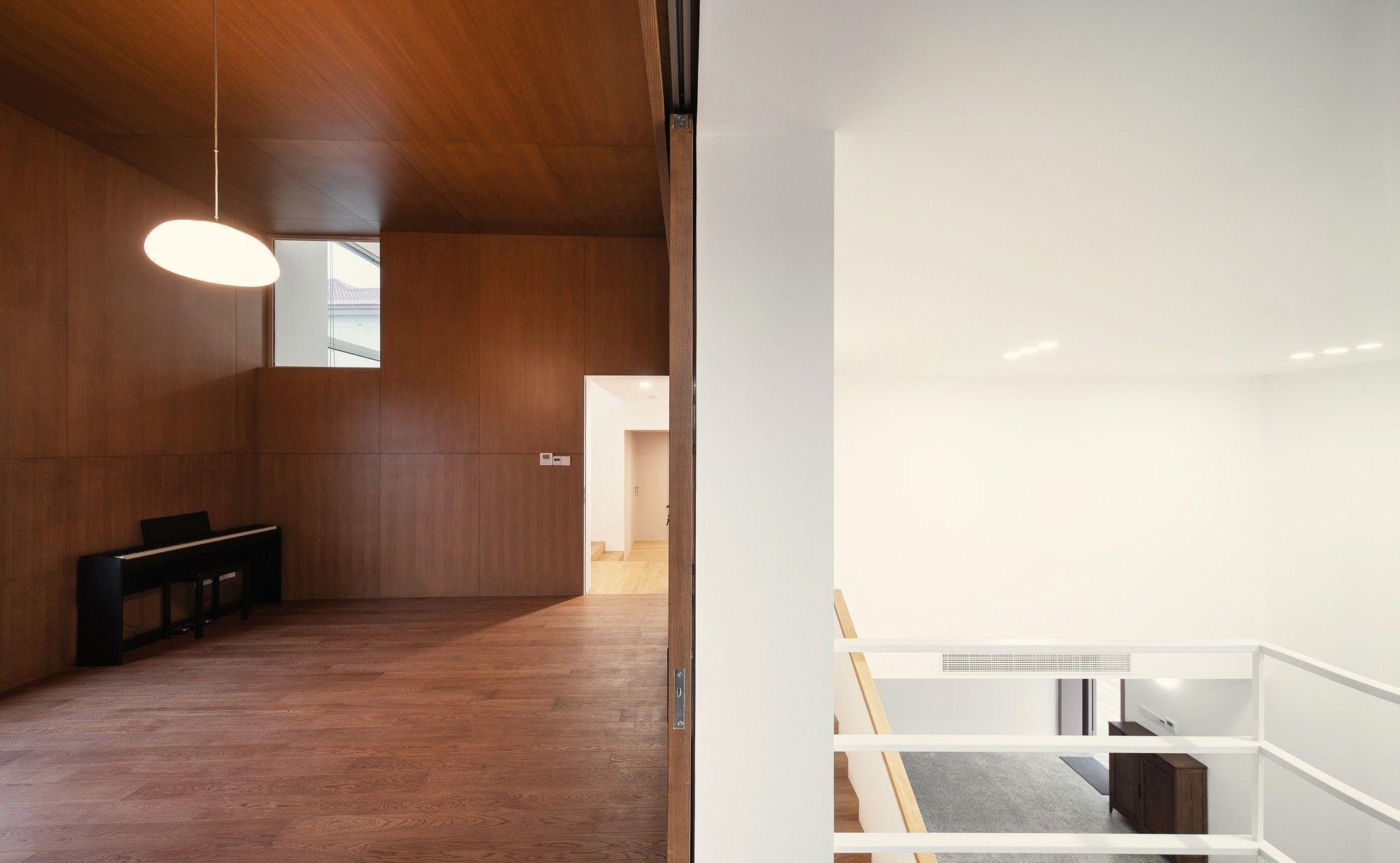 乡间的白别墅世界,现代主义的双层v别墅诗意建别墅盒子怎么迷你图片