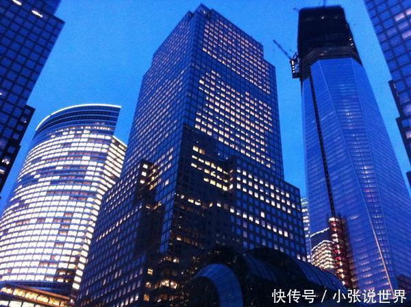 美国的纽约到底有多发达?对比中国上海看看,两