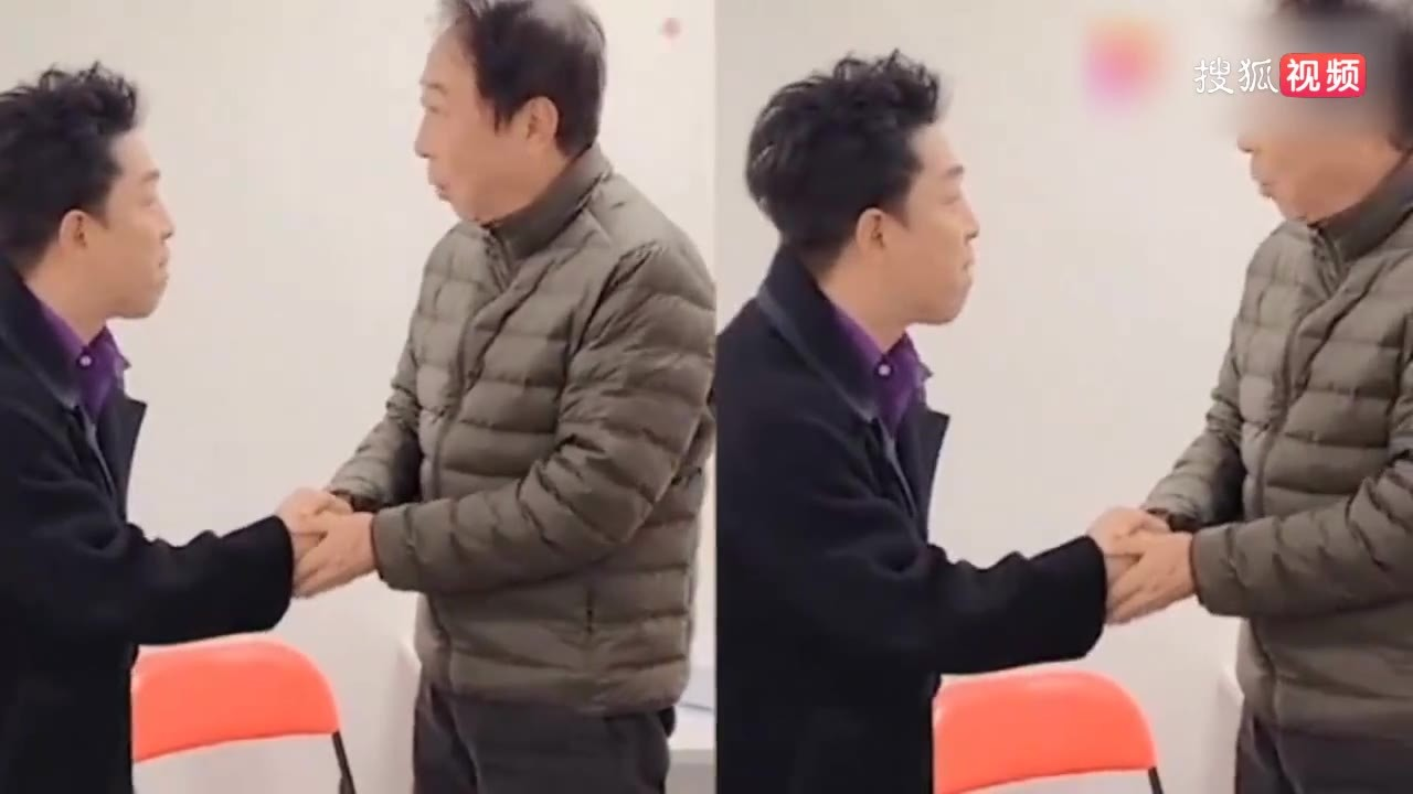 冯巩黄渤罕见同框向观众拜年