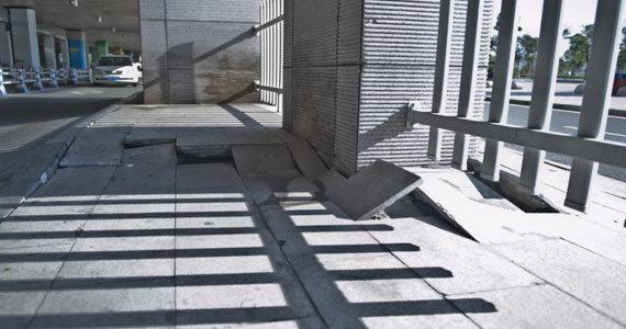 浙江温岭动车站架空层发生沉降 建成仅4年
