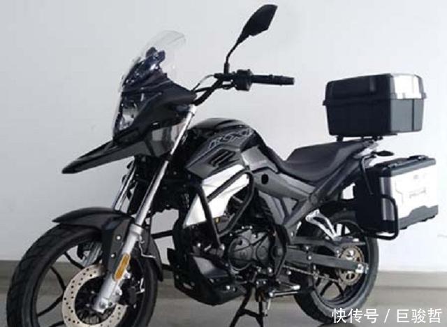 150cc电喷水冷,带护杠和三箱的入门级国产拉力车,售价1w出头