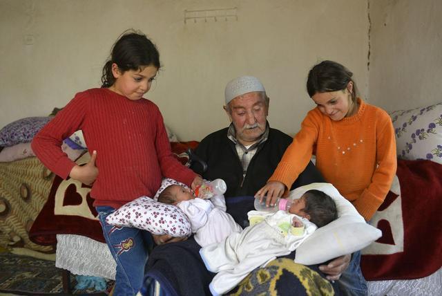 85岁农民喜得双胞胎,即便难为情也要坚持生下来 - 周公乐 - xinhua8848 的博客