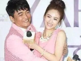 56岁吴宗宪亲自己女儿就算了,居然还上手给女儿整理抹胸!