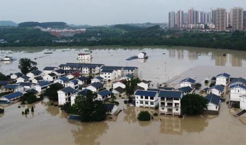 重庆长江、嘉陵江、涪江洪水过境 已转移群众5.2万人