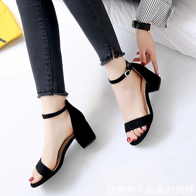 """新发现的女鞋叫: """"仙女鞋"""", 适合三四十女人穿, 上脚美丽又高挑"""