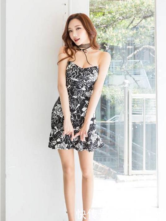 短裤街拍:靓丽高挑的小抹胸,美女吊带搭配姐姐之江美女学院图片