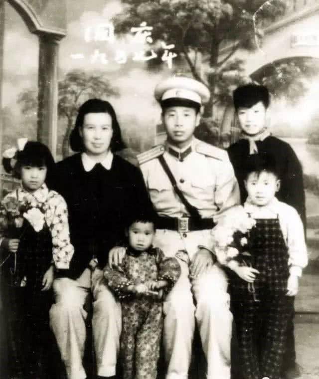高中作家二月河,多次留级,高中毕业,炼成帝王北京生物笔记图片