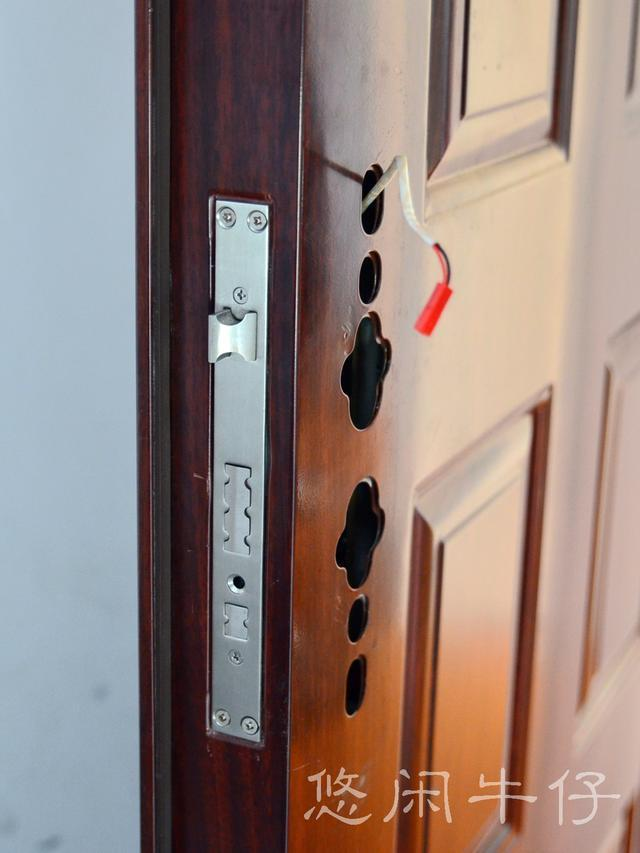 采用nfc技术的最新智能门锁:更安全却更便宜
