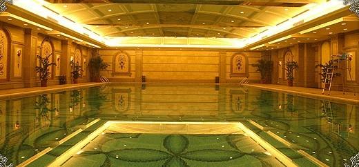 北京星河湾四季会酒店游泳馆 25米欧式恒温泳池位于四季会地下一层.