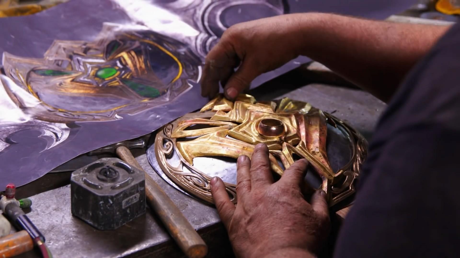 外国知名铁匠打造埃辛诺斯战刃