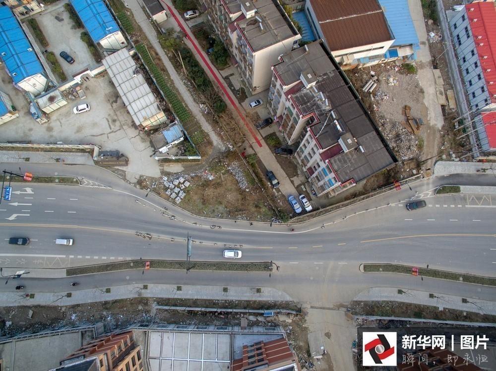 【转】北京时间      一言不合就腰斩马路 细数那些年镜头里的房坚强 - 妙康居士 - 妙康居士~晴樵雪读的博客