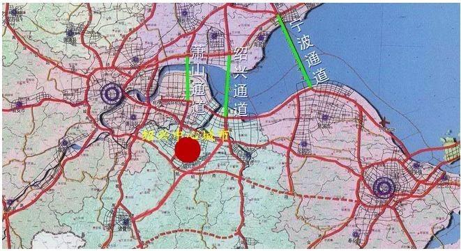 杭绍甬高速公路规划路线起自钱江通道,沿杭州湾南岸由西往东,在舟山跨