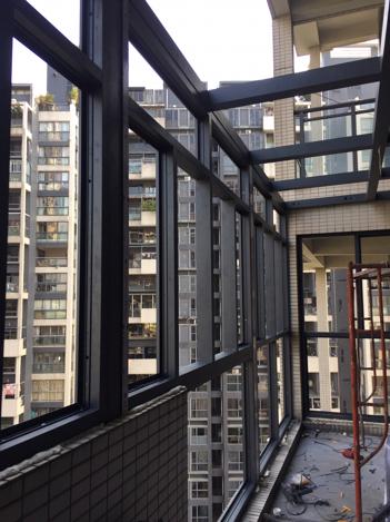65平米顶楼带小院装修预算准备做玻璃阳光房
